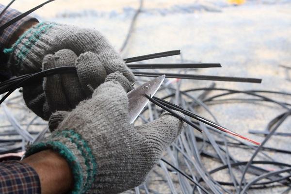 Sử dụng bao tay bảo hộ sẽ giảm thiểu tai nạn và đảm bảo an toàn cho đôi bàn tay trong quá trình lao động
