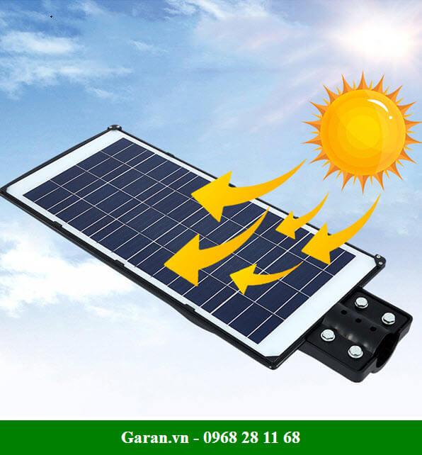 đèn đường năng lượng mặt trời 200W có thời gian sạc chỉ 4 tiếng / ngày.