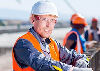 Kính bảo hộ lao động - Lá chắn chống tia tử ngoại ưu việt nhất